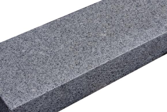 Graniet donkergrijs Bloktrede